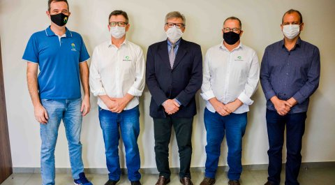 Nucleovet entrega doações ao HRO, ao Hospital da Criança e à Apae