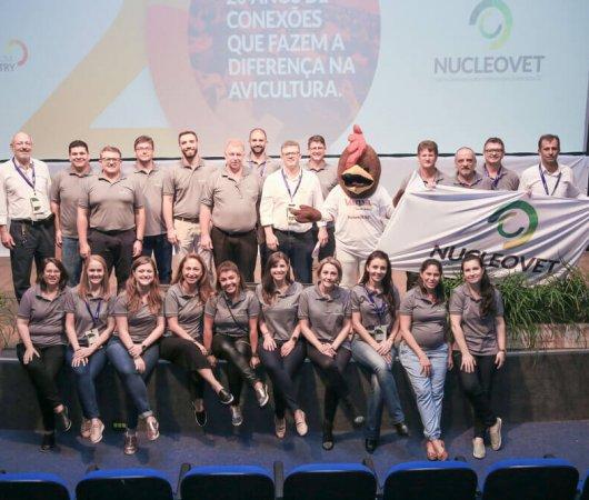 Nucleovet celebra os 20 anos do Simpósio de Avicultura
